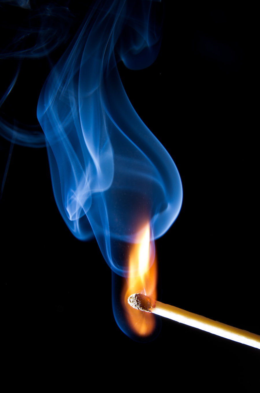 blue_and_gold_smoke_and_fire_by_jaggedtech-d41sevw.jpg